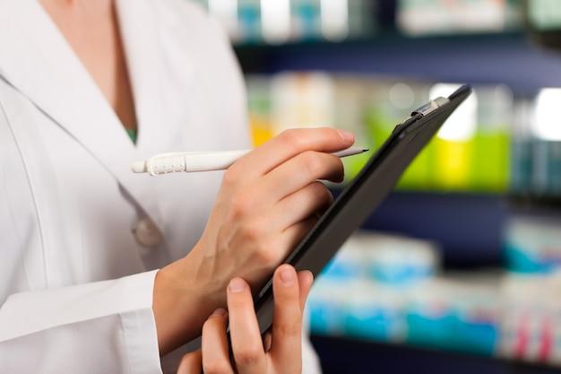Inventário ou recebimento de pedidos em farmácia