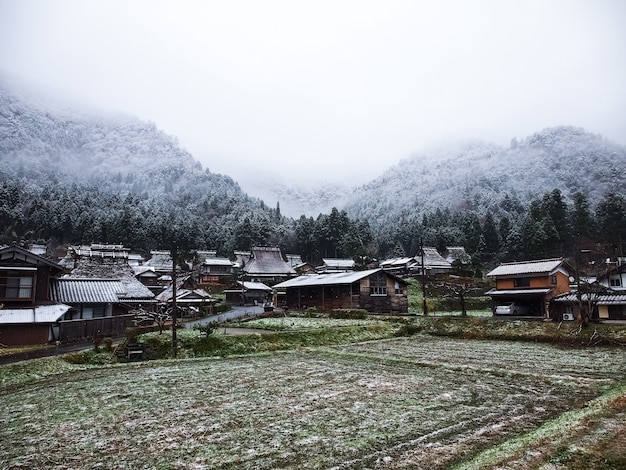 Inverno na aldeia da montanha