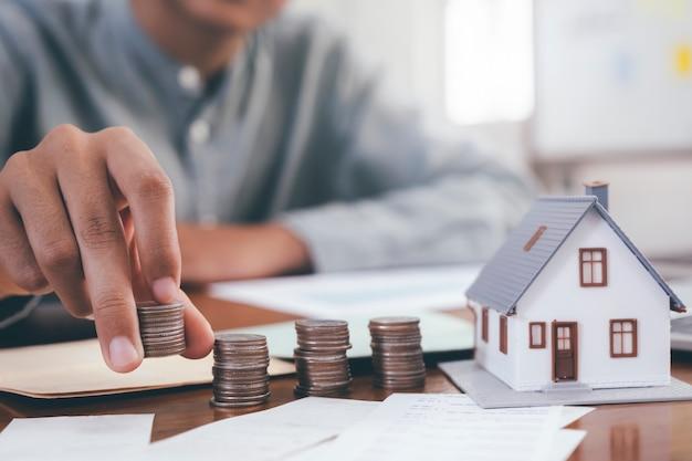 Investimento imobiliário e conceito financeiro de hipoteca.