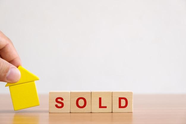 Investimento imobiliário e hipoteca da casa financeira.