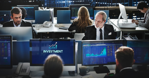 Investir investimento, renda financeira, lucro, custos, conceito