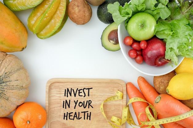 Invista na sua saúde, conceito de estilo de vida saudável com dieta e fitness, ajuste-se, equipamentos de fitness e alimentação saudável