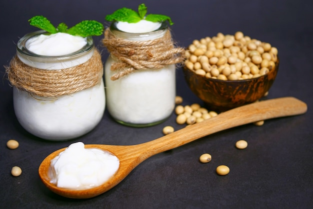 Iogurte caseiro de leite de soja