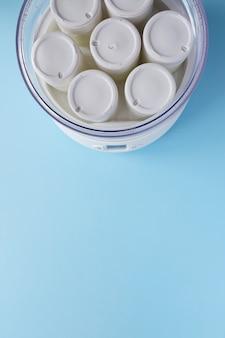 Iogurte fermentado na máquina de iogurte