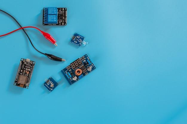 Iot micro-controlador nano placa eletrônica Foto Premium