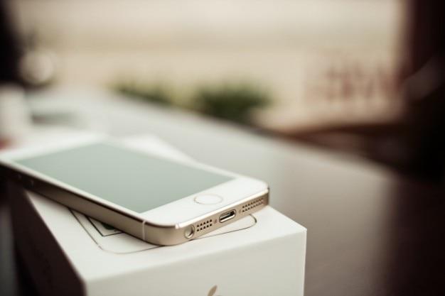 Iphone 5s ouro conectores foto detalhe livre