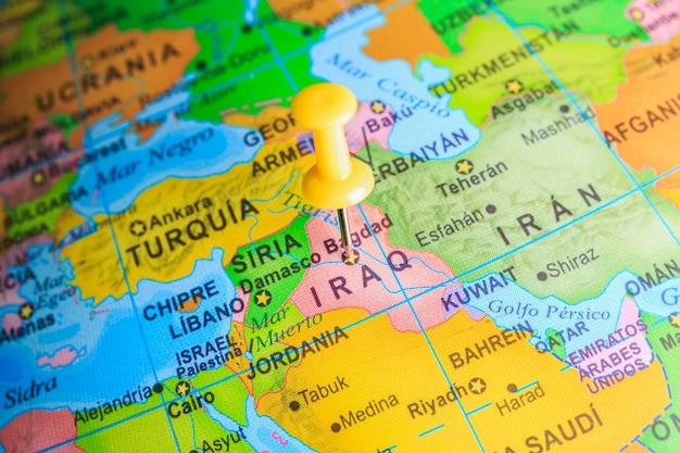 Iraque fixado em um mapa da ásia