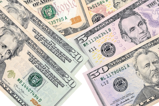 Isolado em uma nota de dólar de fundo branco