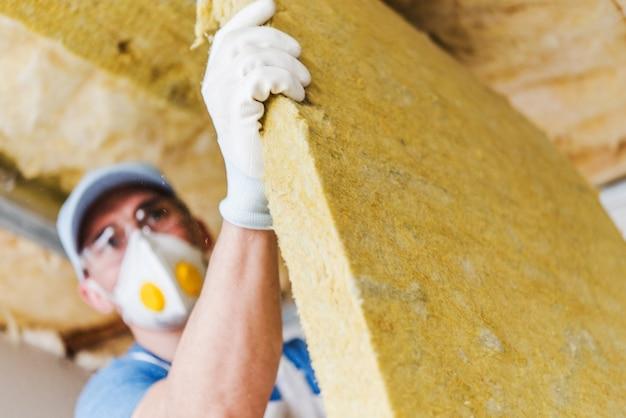 Isolamento de telhado por lã mineral