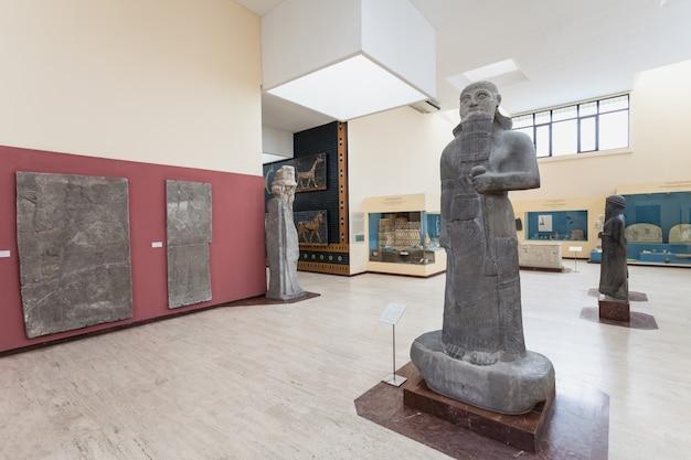 Istambul, turquia - 7 de setembro de 2014: museu de arqueologia de istambul em 7 de setembro de 2014 em istambul, turquia