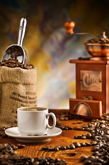 Itens de café na mesa