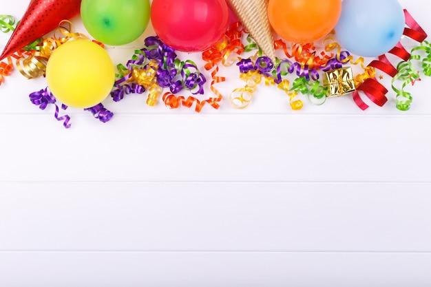 Itens de festa de carnaval ou aniversário