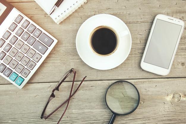 Itens de negócios e café