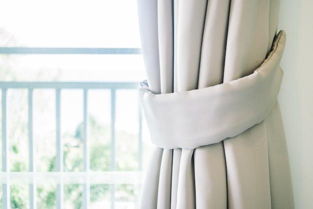 Janela de cortina