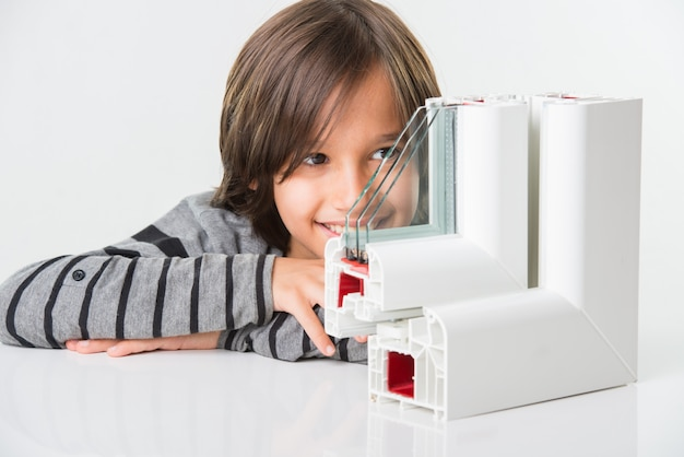 Janelas de perfil em pvc com vidros triplos com menino