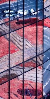 Janelas de vidro de arranha-céu moderno