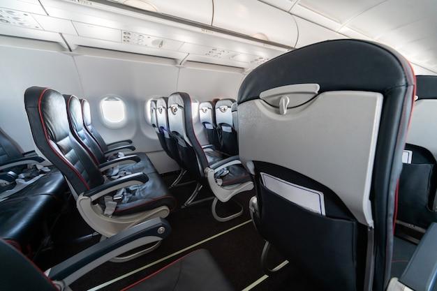 Janelas e assentos de avião