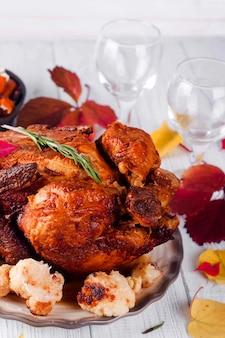 Jantar de ação de graças com frango.