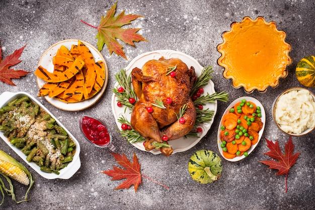 Jantar festivo tradicional do dia de ação de graças