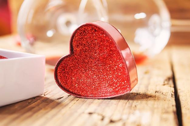 Jantar romântico para a pessoa amada. foco seletivo. natureza