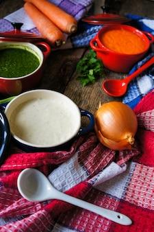 Jantar saudável, sopa de legumes