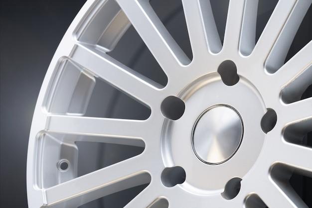 Jantes novas para veículos, feitas em liga de alumínio, roda prateada com raios múltiplos
