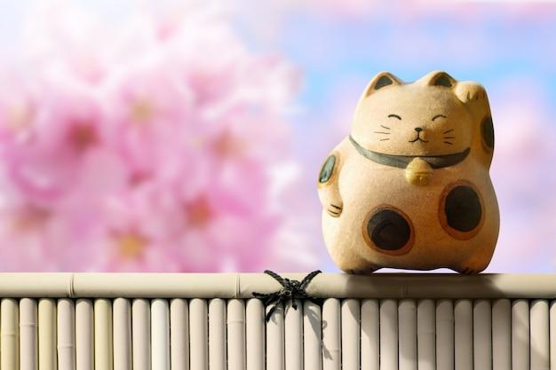 Japão maneki neko ou gato acenando