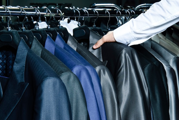 Jaquetas masculinas cru de cores diferentes