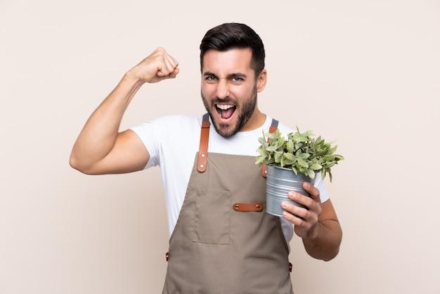 Jardineiro homem com barba
