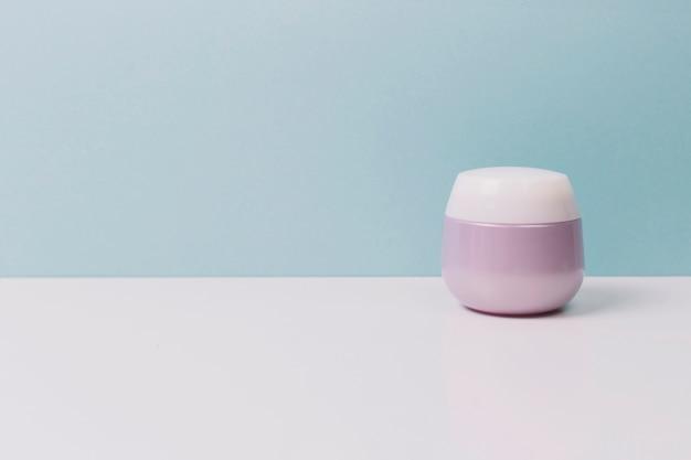 Jarra de cosméticos lilás