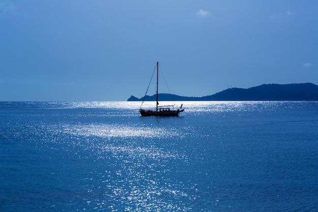 Javea xabia manhã veleiro luz em alicante