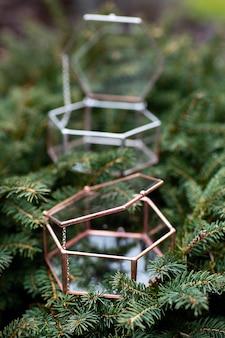 Jewerly caixas na árvore de natal