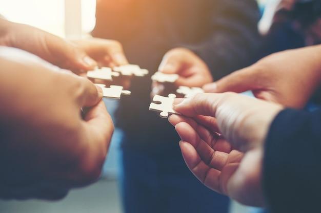 Jigsaw é uma harmonia entre o grupo não será impossível.