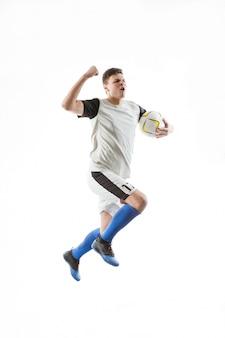 Jogador de futebol que comemora um objetivo