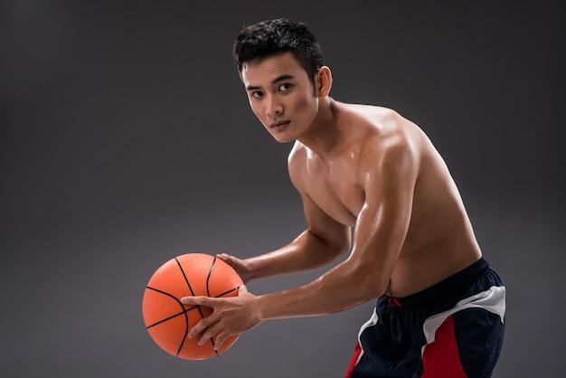 Jogar basquete