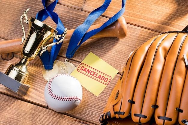 Jogo de beisebol cancelado