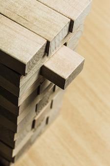 Jogo de blocos de madeira