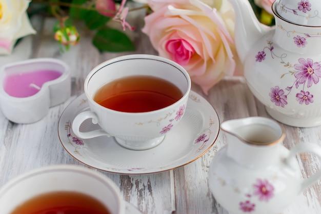 Jogo de chá com estampa floral
