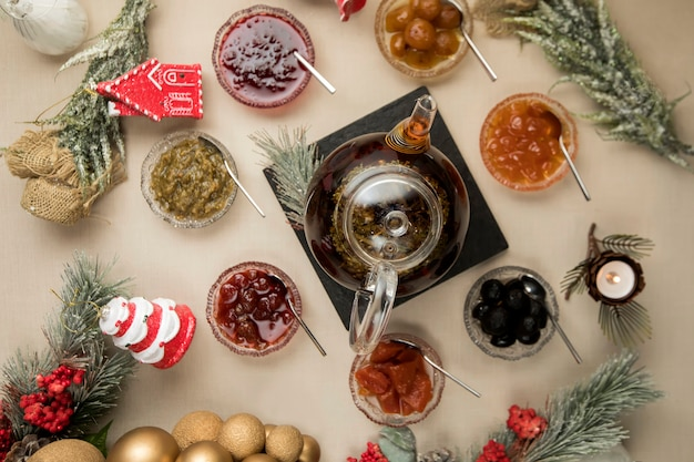 Jogo de chá na vista superior da mesa