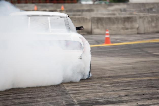 Jogo de corrida de corrida de pista / motorista deriva de carro - carro à deriva
