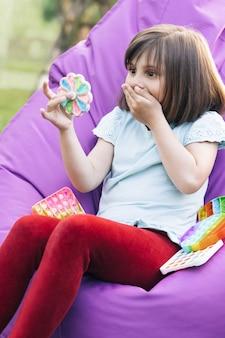 Jogos educativos para crianças poppit colorido anti-stress sensorial para mexer, empurrar, pop-lo