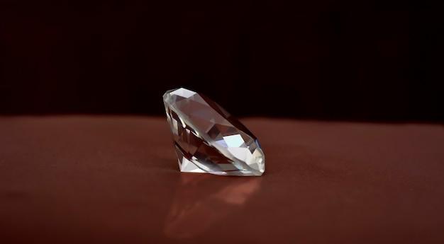 Joia diamante caro