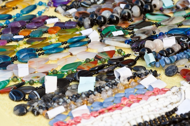Jóias de gemas naturais