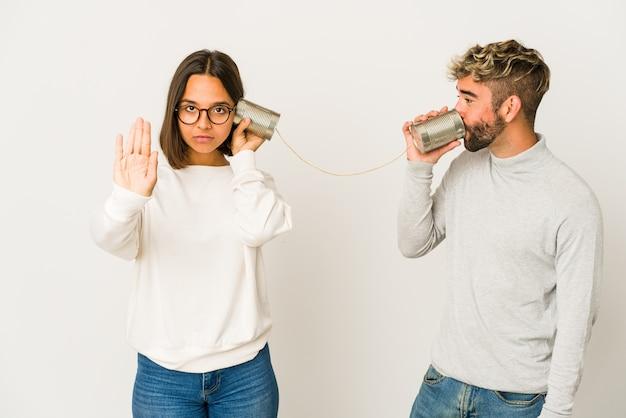 Jovem casal, conceito de comunicação