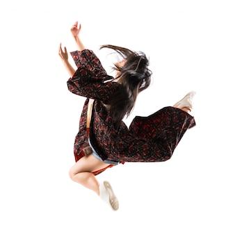 Jovem dançarina asiática