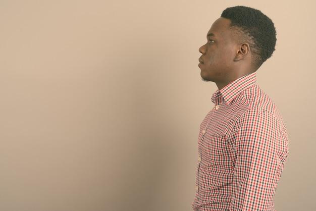Jovem empresário africano
