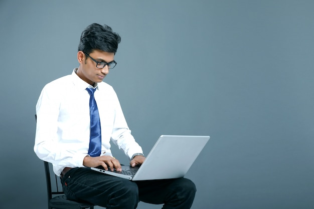 Jovem empresário indiano