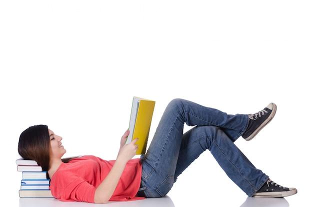 Jovem estudante isolado no branco