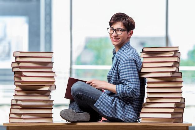 Jovem estudante sob estresse antes dos exames