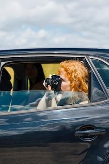 Jovem, femininas, fotografar, câmera